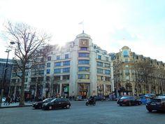 >paris travel guide<