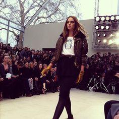 The Burberry Prorsum Womenswear Autumn/Winter 2012 show #LFW  benim olsun her bir parçayı istiyorum..