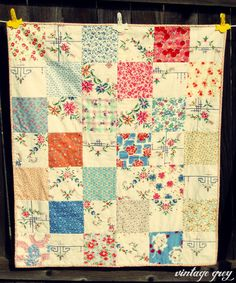 Love the country look of simple patchwork quilts Antique Quilts, Vintage Quilts, Vintage Fabrics, Vintage Sewing, Vintage Linen, Embroidery Designs, Vintage Embroidery, Quilting Designs, Embroidery Software