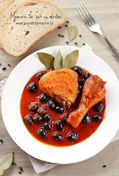 chicken dish with olives European Dishes, Chicken With Olives, Romanian Food, Foods To Eat, Soul Food, Food To Make, Foodies, Dessert Recipes, Cooking Recipes
