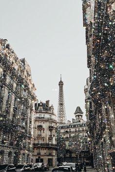 Paris when it sizzles aesthetic photography paris inspo Boujee Aesthetic, Aesthetic Painting, Aesthetic Collage, Travel Aesthetic, Aesthetic Pictures, Aesthetic Outfit, Aesthetic Drawing, Aesthetic Clothes, Aesthetic Vintage