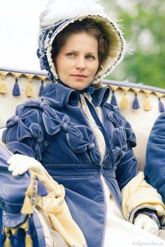 Jane Austen in Russia Gothic Fashion, Victorian Fashion, Vintage Fashion, Victorian Dresses, Victorian Gothic, Steampunk Fashion, Gothic Lolita, Emo Fashion, Regency Dress