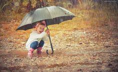Dziecko, Dziewczynka, Parasol, Deszcz, Kalosze, Kałuże