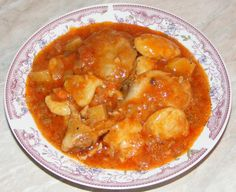 Chicken Goulash - Gulas de pui - www.preparatedevis.ro Goulash, Carne, Macaroni And Cheese, Appetizers, Meals, Chicken, Ethnic Recipes, Soups, Drinks