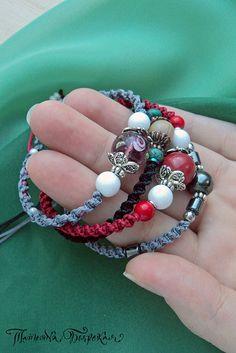 #macrame #макраме #бохо #micromacrame #украшенияручнойработы #handmade #нск #новосибирск #accessories_tb Macrame Bracelets, Jewelry Bracelets, Micro Macramé, Diy Projects, Beads, Stone, Rings, Fashion, Ear Studs