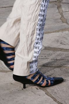 See detail photos for Loewe Spring 2016 Ready-to-Wear collection.