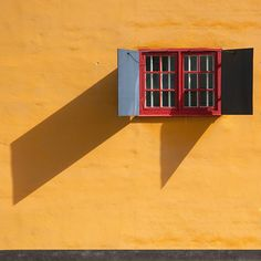 A sunny day Red Windows, Windows And Doors, Paintings I Love, Love Painting, Mellow Yellow, Color Photography, Stockholm, Beautiful Images, Sunny Days