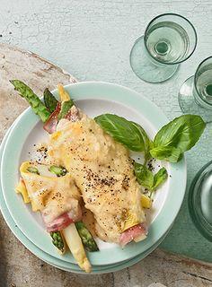 Spargel im Lasagneblatt mit gekochtem Schinken