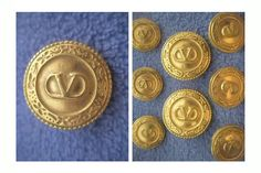 ButtonArtMuseum.com - Italy Italian Designer Valentino Blazer Jacket 8 Button Set Metal Gold Color