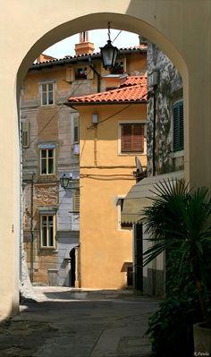 In the streets of Lovran, Istria, Croatia | by Ralf Patela
