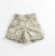 Pantalón corto color VERDE CAQUI por PetiteBellaaa en Etsy Alba, Mercury, Boho Shorts, Color, Kids, Clothes, Etsy, Women, Fashion