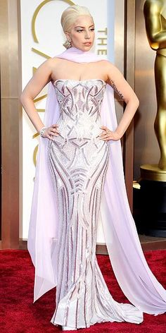Academy Awards 2014: Arrivals : Lady Gaga in Atelier Versace