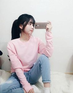 Look Your Best With These Tips On Fashion. Ulzzang Fashion, Asian Fashion, Look Fashion, Girl Fashion, Fashion Outfits, Mode Ulzzang, Korean Ulzzang, Ulzzang Girl, Kpop Outfits