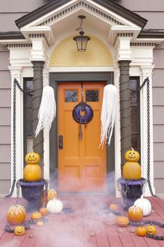 Do fright right. Haunt your home with these easy-to-make Halloween decorations.