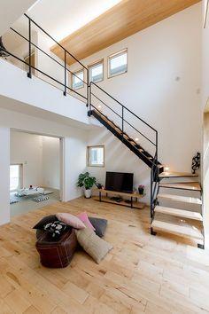 2016 こころモデルハウス Stairs In Living Room, House Stairs, Interior Stairs, Interior Architecture, Interior And Exterior, Loft Design, House Design, Off Grid Tiny House, Casa Loft