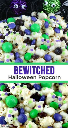 Bewitched Halloween Popcorn - sweet and salty popcorn covered in marshmallow and mixed with crunchy chocolate candy in Halloween colors. A yummy and easy to make Halloween Dessert that is super easy to make! Halloween Desserts, Halloween Popcorn, Halloween Food For Party, Halloween Foods, Halloween Baking, Halloween Halloween, Halloween Decorations, Perfect Popcorn, Spooky Treats