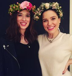 """Mi piace"": 39.3 mila, commenti: 215 - Marina Squerciati (@marinasqu) su Instagram: ""Pro tip: Have #AmyMorton & @sophiabush throw your baby shower. It'll be filled with flower crowns,…"""