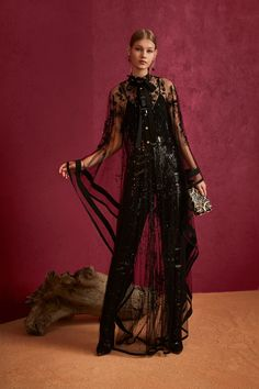 Elie Saab Pre-Fall 2018 Fashion Show Collection