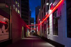 Fort+Lane+in+downtown+Auckland+is+home+to+a+vivid+new+installation+'Eyelight+Lane'+by+Swedish+artist+David+Svensson.+Constructed+from+up+of+120+metres+of+luminous+neon+lights+criss-crossing+the+building+facades,+the+installation+reflects+the+renewed+energy+of+Fort+Lane+since+its+transformation+[…]