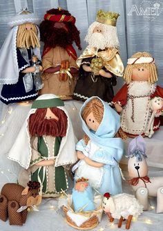 Mary Christmas, Christmas Nativity, Christmas Fabric, Christmas Decorations, Holiday Decor, Button Crafts, Christmas Pictures, Fabric Dolls, Diy And Crafts
