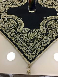 Κεντημσ Blackwork, Cross Stitch Patterns, Projects To Try, Embroidery, Diamond, Stuff To Buy, Jewelry, Punto De Cruz, Crocheting
