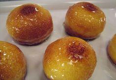 Ingredienti: Per il babà al rum500 g di farina 400 W (PS)200 g di burro50 g di burro semolato27,5 g di lievito di birra10 g di sale500g di uova intere Per la bagna2 litri di acqua750 g di zucchero semolato275 g di limoncello2,5 g di cardamomo10 g di buccia di limone Per la finitura:300 g…