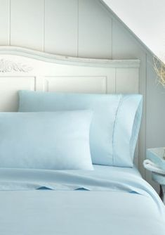 Places To Buy Bedding Sets Blue Bed Sheets, Queen Bed Sheets, Queen Bedding, Blue Comforter, Gray Bedding, Best Sheet Sets, Luxury Inn, Bedding Sets, Sheets Bedding
