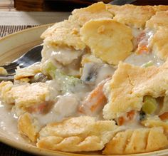 For crust i used half wheat, half white flour. This homemade chicken pot pie is made from scratch and fits a 9 by 13 inch baking dish. A meal that serves depending on portion sizes. Homemade Chicken Pot Pie Recipe from Grandmothers Kitchen. I Love Food, Good Food, Yummy Food, Tasty, Homemade Chicken Pot Pie, Chicken Recipes, Recipe Chicken, Chicken Pot Pie Recipe From Scratch, Quiches