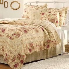 Cottage Romantic Quilt Set with Shams Floral Roses Print Pattern Cream Yellow Luxury 100 Cotton Reversible 3 Piece Bedding