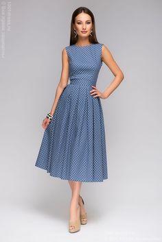 Синее платье длины миди с принтом ромашки и открытой спинкой недорого в интернет-магазине 1001DRESS
