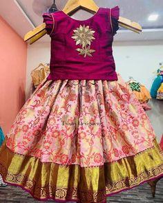 Baby Girl Lehenga, Lehenga For Girls, Kids Lehenga, Frocks For Girls, Dresses Kids Girl, Kids Outfits, Saree Kuchu Designs, Kids Blouse Designs, Kids Dress Wear