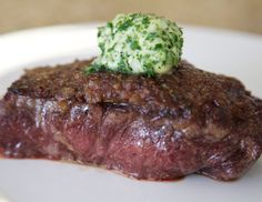 Steak with caramelized onions & herb butter
