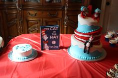 Cake at a Cat in the Hat Party #catinthehat #cake
