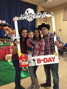 Farm Animal Party, Farm Animal Birthday, Barnyard Party, Farm Party, Rodeo Birthday, Farm Birthday, Boy Birthday Parties, Birthday Ideas, Cowboy Theme Party