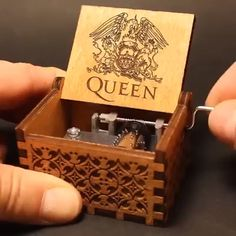 Queen Handshake Gift Birthday Gift Music Box A perfect gift for FAN! Welcome to the wonderful world of crankshaft music boxes! This is a beautiful wooden music box with a meaningful message engraved from the inside of the box. Diy Birthday, Birthday Gifts, Surprise Birthday, Christmas Birthday, Birthday Music, Queen Birthday, Birthday Messages, Friend Birthday, Box Queen