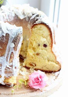 Eastern Europe, Vanilla Cake, Bread, Breakfast, Food, Morning Coffee, Breads, Bakeries, Meals