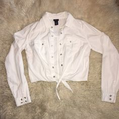 CROP TOP Beautiful WHITE❄️long sleeve Crop Top (NEVER WORN) absolutely NO STAINS OR RIPS! Very Light weight Rue 21 Tops Crop Tops