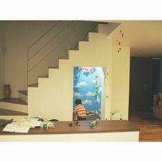 散らかってますが… 階段下は息子の秘密基地♡  お空のお部屋/アジト/息子の秘密基地/壁紙/階段下/フリンジガーランド…などのインテリア実例 - 2015-05-07 13:58:41 | RoomClip(ルームクリップ)