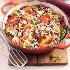 Beef Recipes Potato casserole with spicy minced meat and other recipes to discover . Beef Recipes Potato casserole with spicy minced meat and other recipes to discover . Potato Casserole, Casserole Recipes, Pasta Casserole, Healthy Eating Tips, Healthy Dinner Recipes, Potato Recipes, Meat Recipes, Shrimp Recipes, Other Recipes