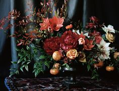 Winter Floral Arrangements - Winter floral arrangements aren't restricted to flowers alone. The most essential part of any winter floral arrangement i. Neutral Wedding Flowers, Cheap Wedding Flowers, Winter Wedding Flowers, Autumn Wedding, Wedding Bouquets, Winter Flower Arrangements, Floral Arrangements, Arte Floral, Floral Centerpieces
