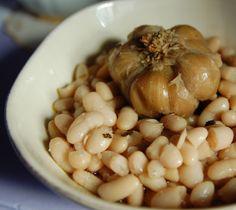 fagioli all'olio- slow cooked tuscan white beans