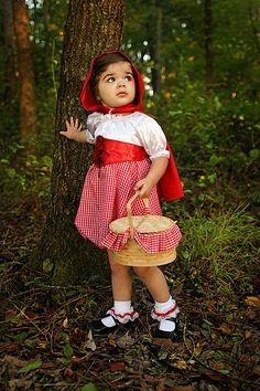 LITTLE RED RIDING HOOD                         TOO CUTE!  SIMPLE GIFTS PHOTOGRAPHY
