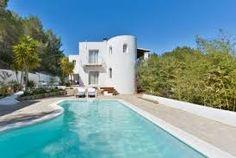 Jolie villa avec jardin, clôture, terrasse, barbecue, cheminée, accès internet, piscine privée