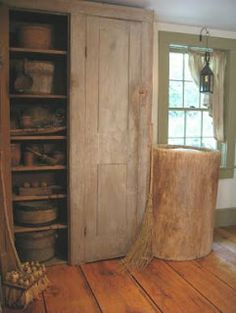 Just Country Happenings!: New Magazines just Arrived, A Simple Life and A Primitive Place Primitive Dining Rooms, Primitive Homes, Primitive Furniture, Primitive Kitchen, Primitive Antiques, Country Primitive, Primitive Decor, Prim Decor, Country Decor