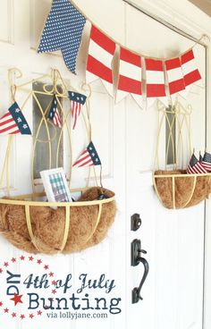 DIY of July bunting - DIY of July bunting using burlap & fabric. Easy and cute! DIY of July b - July Crafts, Summer Crafts, Holiday Crafts, Holiday Fun, Patriotic Crafts, Summer Fun, Patriotic Party, Holiday Themes, Holiday Ideas