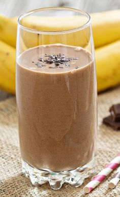 Sea moss is quickly becoming popular in the health world. These sea moss smoothie recipes are actually delicious! Who doesn't love a delicious chocolatey smoothie. Smoothie Cacao, Cherry Smoothie, Juice Smoothie, Smoothie Drinks, Healthy Smoothies, Vegetable Smoothies, Healthy Drinks, Peanut Butter Smoothie, Peanut Butter Banana