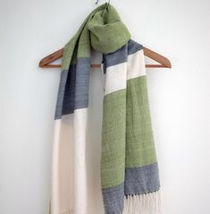 45 AVON Spice Moderne Scarf//Sarong Ideal gift holidays summer New