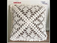 Discover recipes, home ideas, style inspiration and other ideas to try. Crochet Cushion Pattern, Crochet Pillow Patterns Free, Crochet Cushion Cover, Crochet Lace Edging, Crochet Cushions, Crochet Flower Patterns, Crochet Squares, Love Crochet, Crochet Flowers