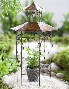 Jeremie | Mini orchard pavilion with mini basket weave urn.