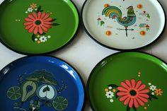 vintage melamine trays@rustyvintage on etsy